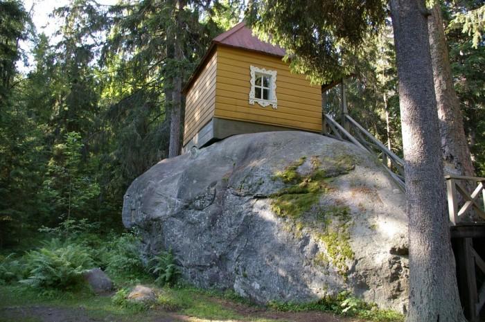 Конь-Камень на Ладожском озере