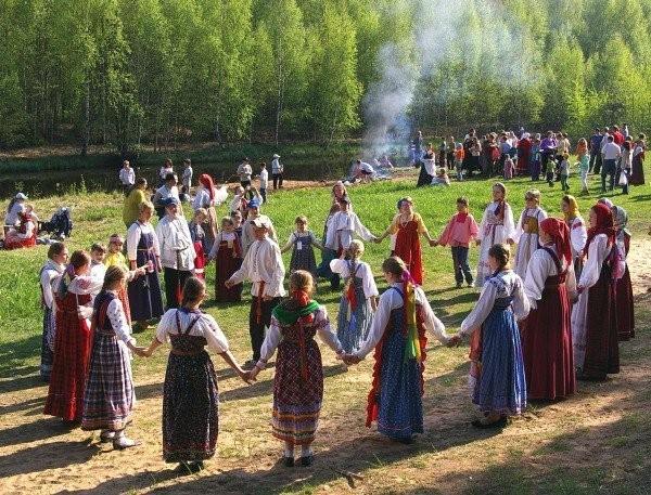 Славянский праздник Рода и Рожаниц
