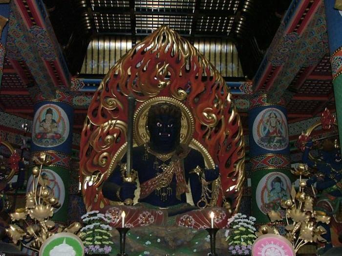Храм бога огня Фудомео в Японии